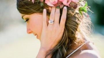 Νυφικά χτενίσματα με φρέσκα λουλούδια gamos ΓΑΜΟΣ